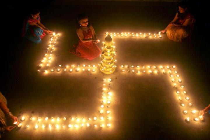 Hindu swastika symbol