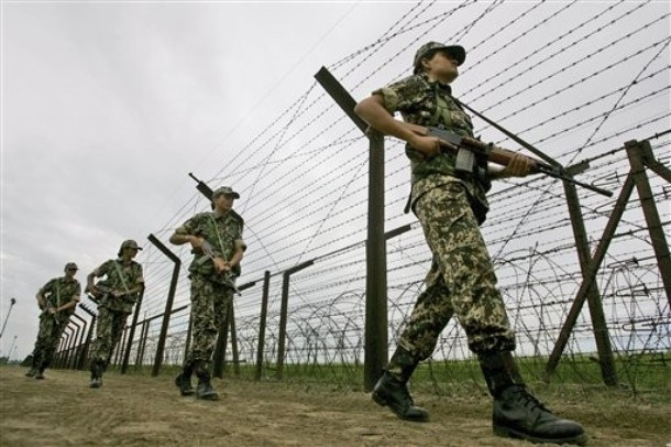 India Women Soldiers