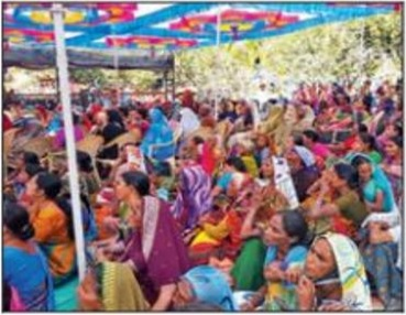 18,000 widows invited to son's wedding by gujrati businessman