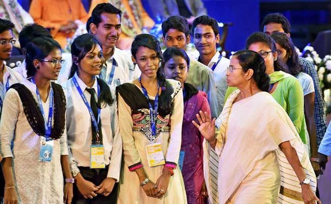 Mamata Banerjee with students at Utkarsh Bangla 2016