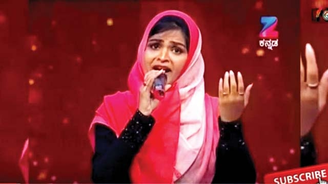 Muslim Girl Being Trolled and Accused for Singing Hindu Devotional Songs