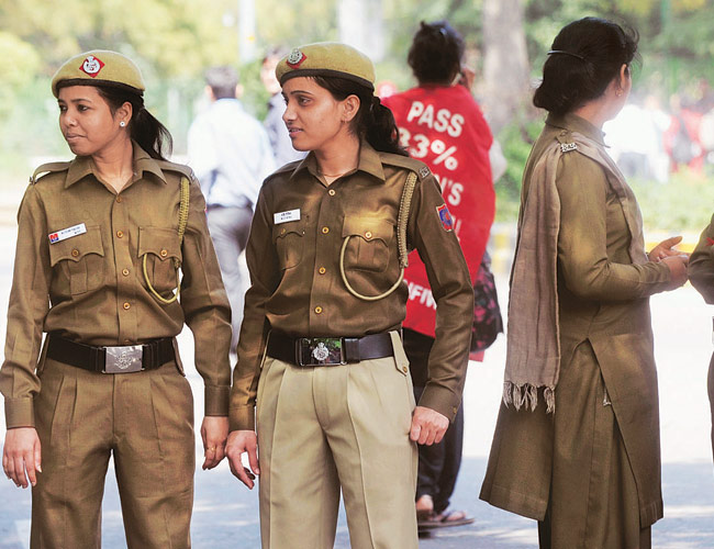 Massive - A 5+ Lakh Policemen & Policewomen Shortage In India...