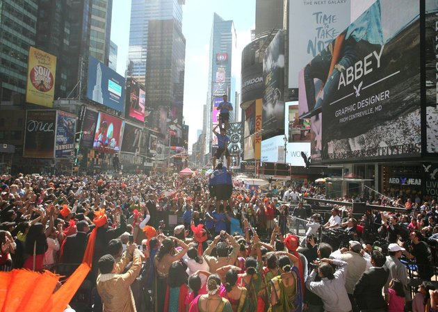 Massive Diwali Festival In New York's Times Square...