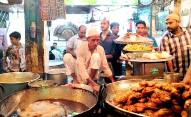 South Delhi bans display of Non-Veg food...