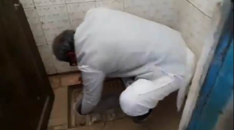 Amazing - Madhya Pradesh Minister Cleans School Toilet With Bare Hands...
