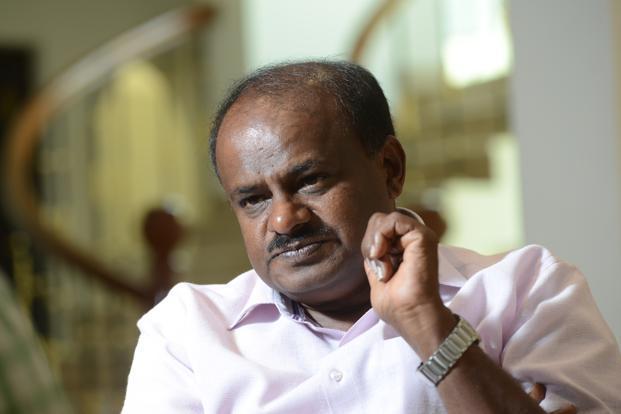 Kumaraswamy says Modi uses makeup: Political relevance??