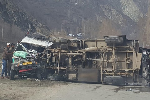 Police van accident in j&k Baramulla, ourvoice, werIndia