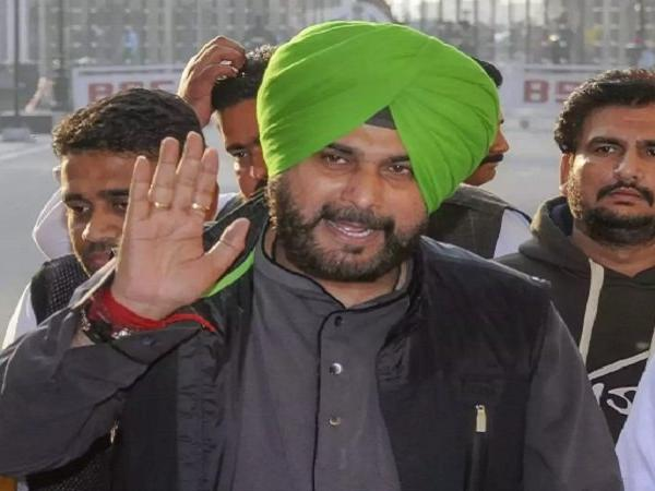 navjot singh siddhu delivers controversial statement during election campaigning in bihar