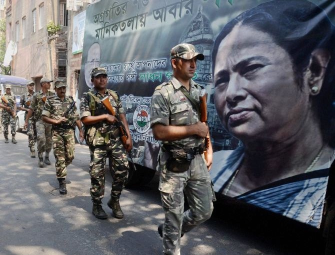EC directs West Bengal to replace state police with central forces in polling booth