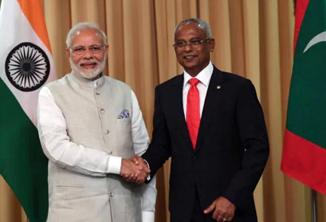 Maldives Tour PM Visits Presenting A Bat To President Cornerstone Cricket