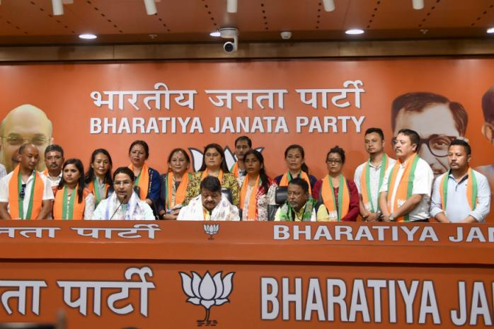 BJP gains control over Darjeeling's Municipal Body as 17 councillors switch