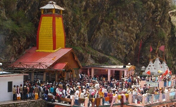 Yamunotri Temple priests cover donations boxes with clothes over salary protest