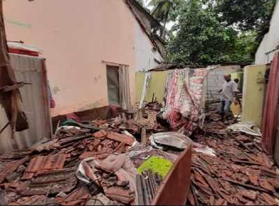Mumbai Rains: House Collapses With Four Family Members Injured