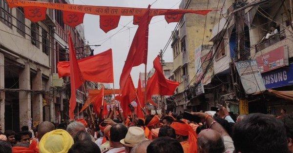 मंदिर की बर्बरता के बाद दिल्ली के हौज़ काज़ी में शांति के संकेत