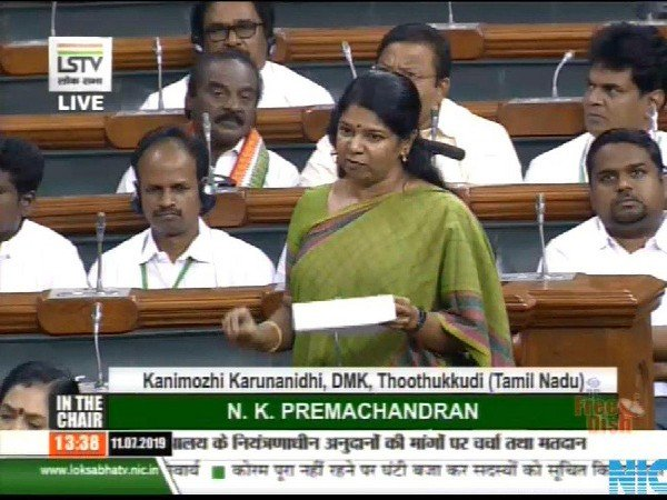 Language Debate continues, Kanimozhi demands signs in regional languages