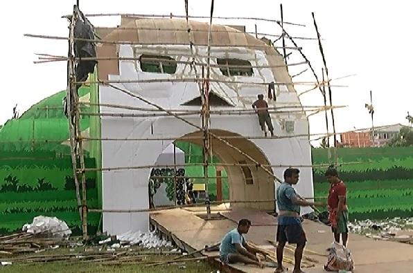 One Durga Puja Pandal Inauguration By Amit Shah In Kolkata