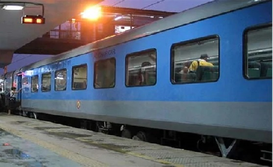Indian Railway Vacancy On Caste Basis Seen In Recruitment Ads