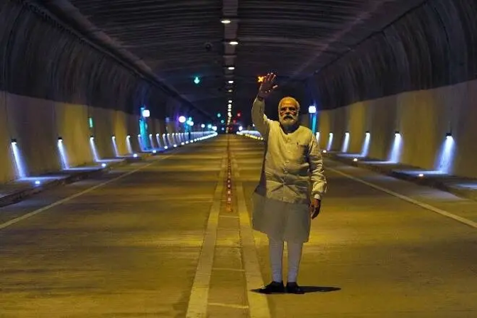 PM Modi Asks Ministries To Submit A List Of Infra Projects Delayed Due To Court And NGT Orders, Loss To Taxpayers: Report
